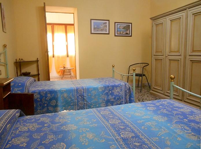 Casa vacanza lamarmora in affitto in sardegna nella costa - La valigia sul letto iglesias ...
